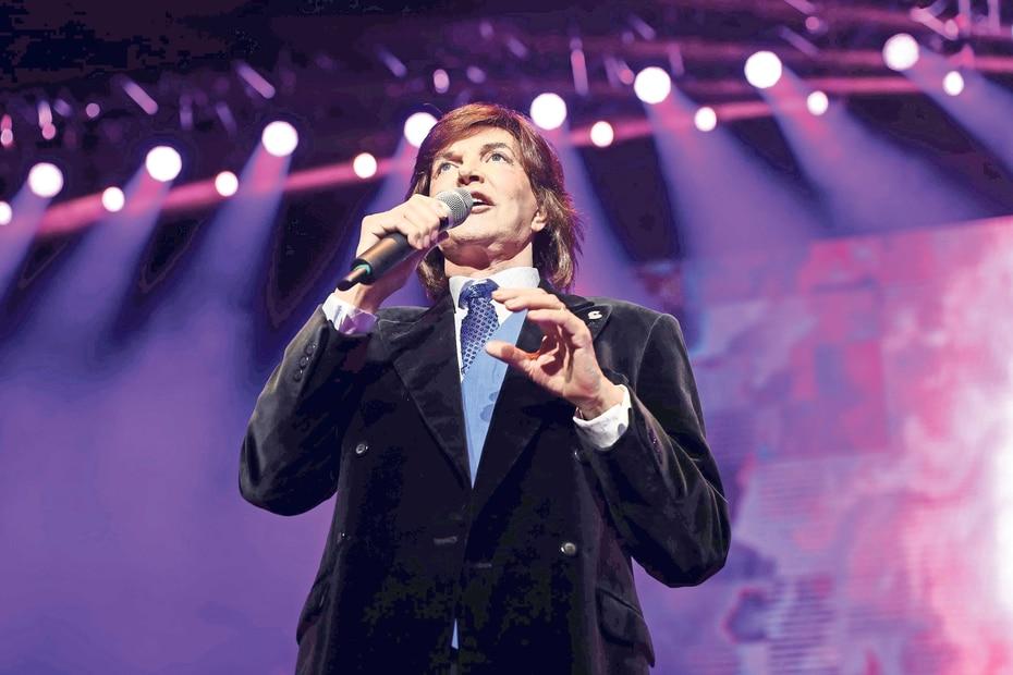Camilo Blanes Cortés fue un ídolo de larga y exitosa carrera en la que vendió millones de discos (fue el primer cantante español que logró el disco de platino). (El Universal / GDA)